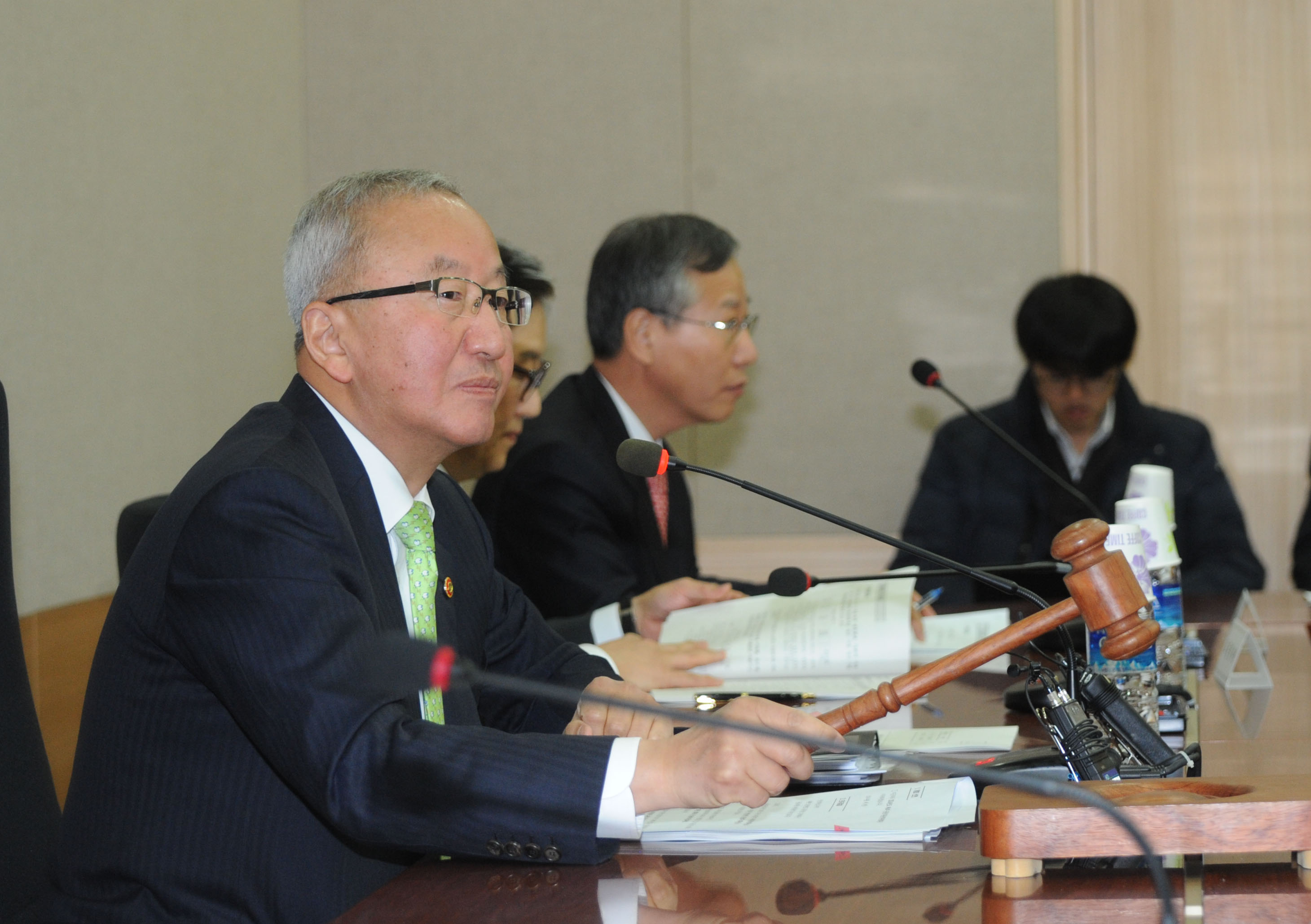 Deputy Prime Minister Hyun hosts the Public Institution Management Meeting