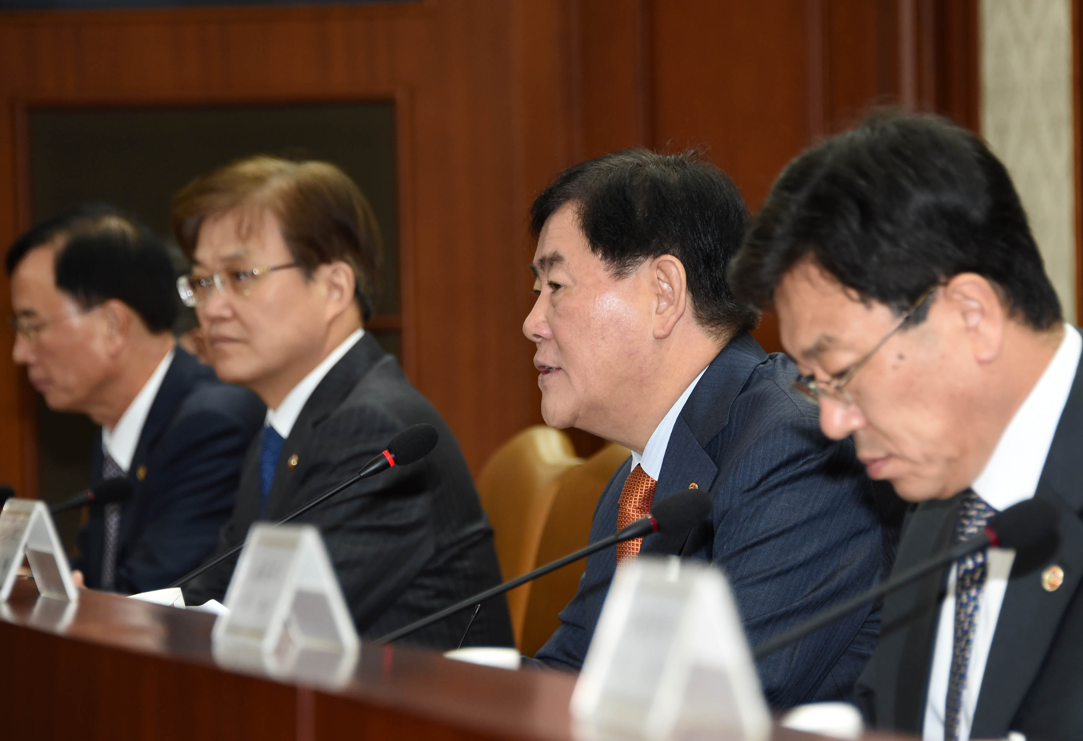 Deputy Prime Minister Choi hosts the 36th Ministerial Meeting on the Economy