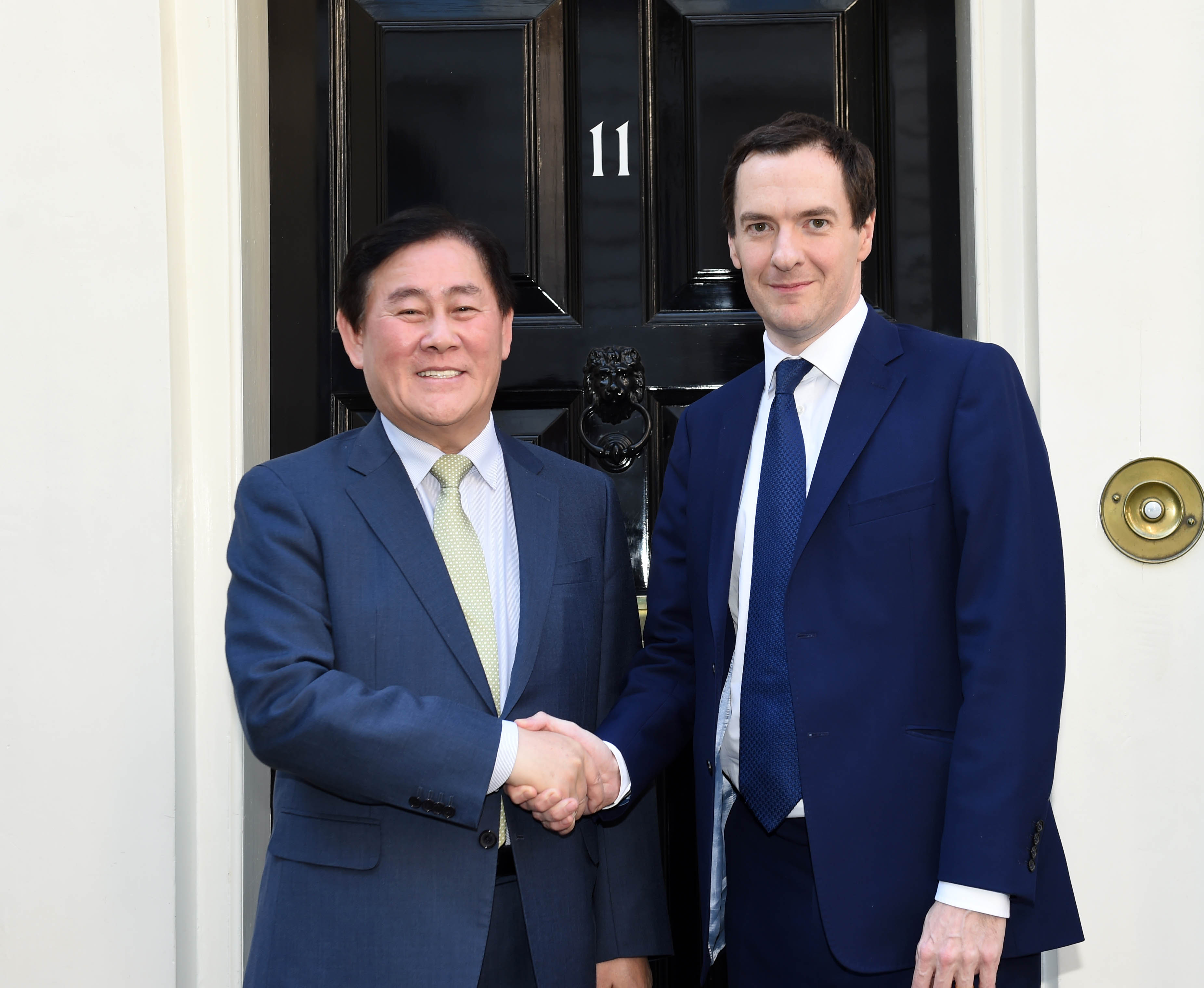 Deputy Prime Minister Choi Meets with UK Finance Minister George Osborne